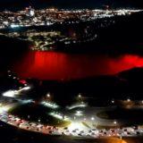 """Në nder të 108-vjetorit të Pavarësisë në Shqipëri, Niagara në Kanada """"ngjyroset"""" kuqezi"""