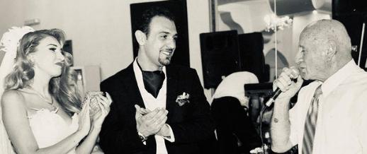 """""""Kurorëzova dashurinë me zërin tënd"""", këngëtarja shqiptare përlotet për ndarjen nga jeta të Pejës"""