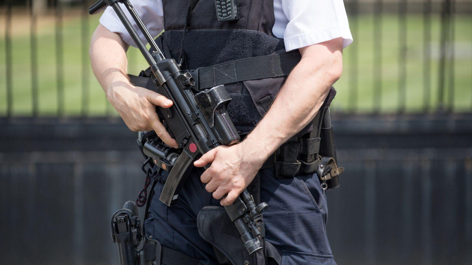 """Sulm i mundshëm terrorist? Britania e Madhe """"ndez"""" alarmin"""