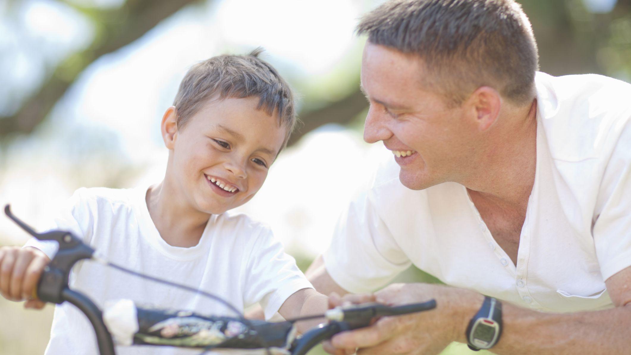 Gjashtë gjërat që një baba i mëson djalit të tij
