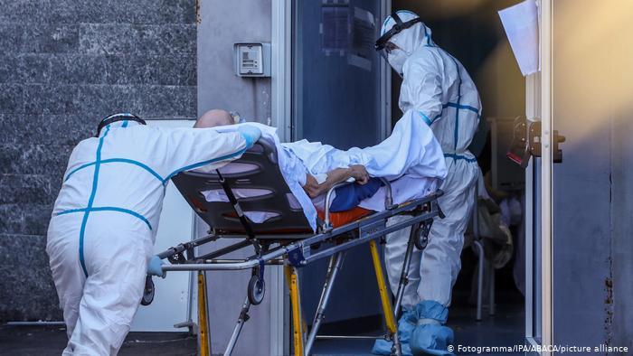 Italia regjistron 25,853 raste të reja me Covid-19 në 24 orë, 722 persona humbën jetën