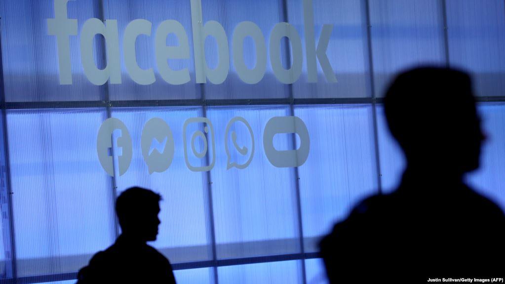 Akuza ndaj Facebook: Kompania i detyroi punonjësit të kthehen në zyrë gjatë pandemisë