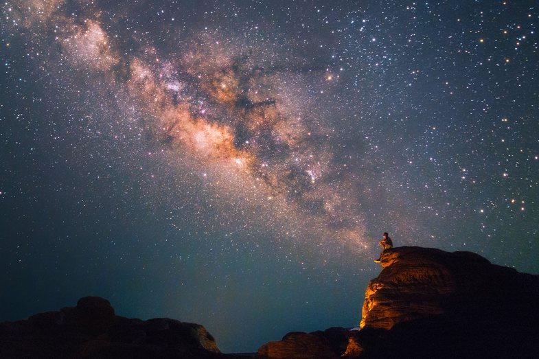 Parashikimi i astrologëve: Tre arsye pse 2021 do të jetë një vit i mbarë