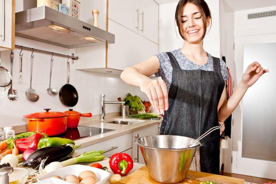 Si të pakësoni kripën nga ushqimi
