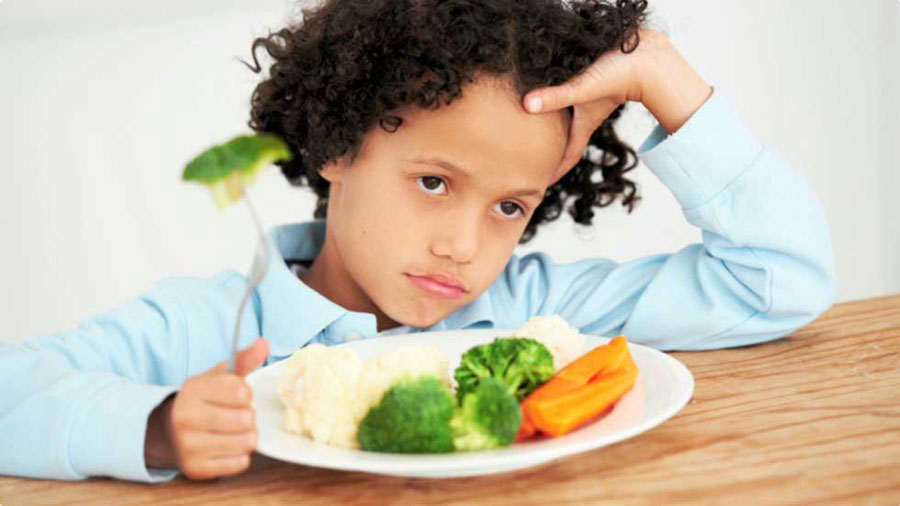 Disa këshilla si ta bëni fëmijën të provojë ushqime të reja