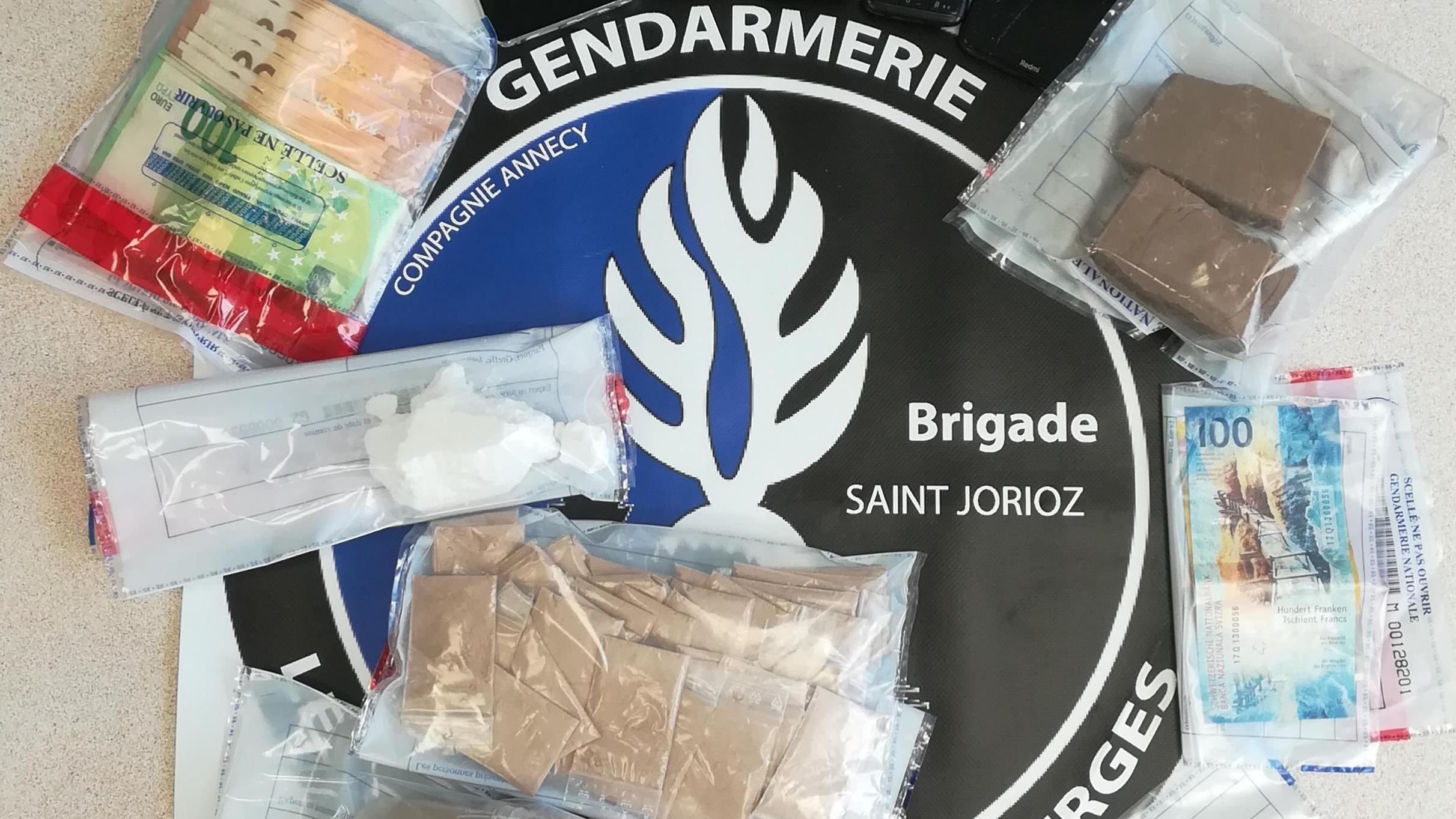 Nisi si hetim pas plagosjes së shqiptarit, policia ndjeu aromën dhe hyri brenda: 3 persona, në burg