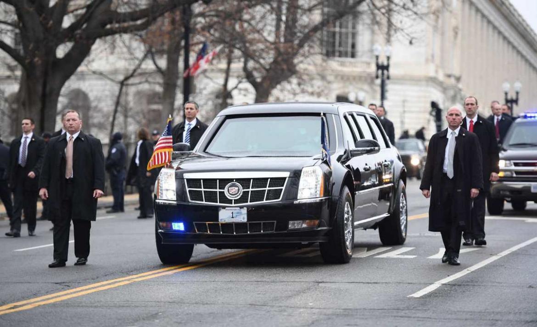 """Kjo është """"bisha"""" e zezë e Biden: Detajet e makinës më të sigurt në botë"""