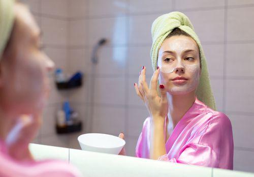 6 produktet e bukurisë që nuk duhet të mungojnë në dollapin tuaj