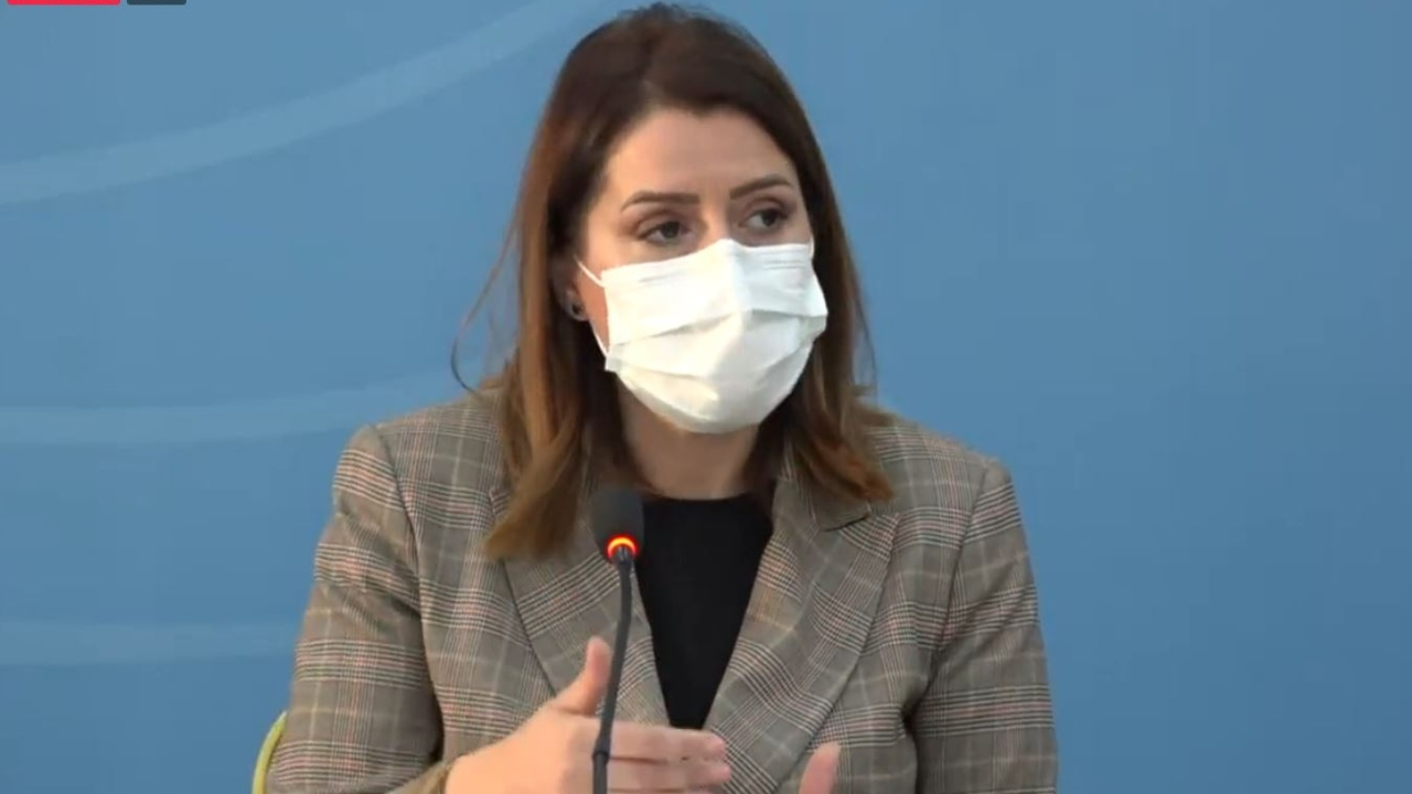 Fillon rimbursimi i ilaçeve anti-covid, Manastirliu: Strategjia ka qenë efektive, por mbani maskën