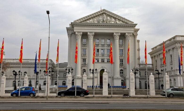 Qeveria e Maqedonisë së Veriut shpall gjendjen e krizës për 30 ditë