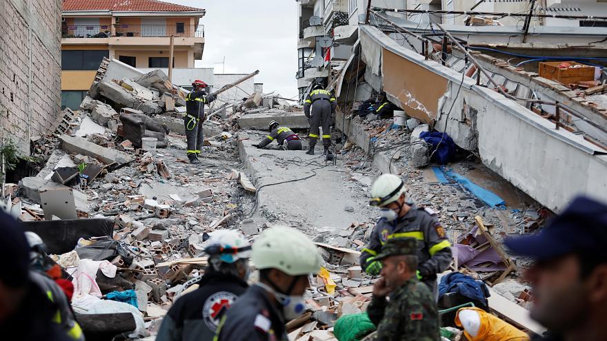 Dëmtimet në shkollën e Thumanës, 1 vit pas tërmetit në hetim 10 persona! Skandali me kompaninë