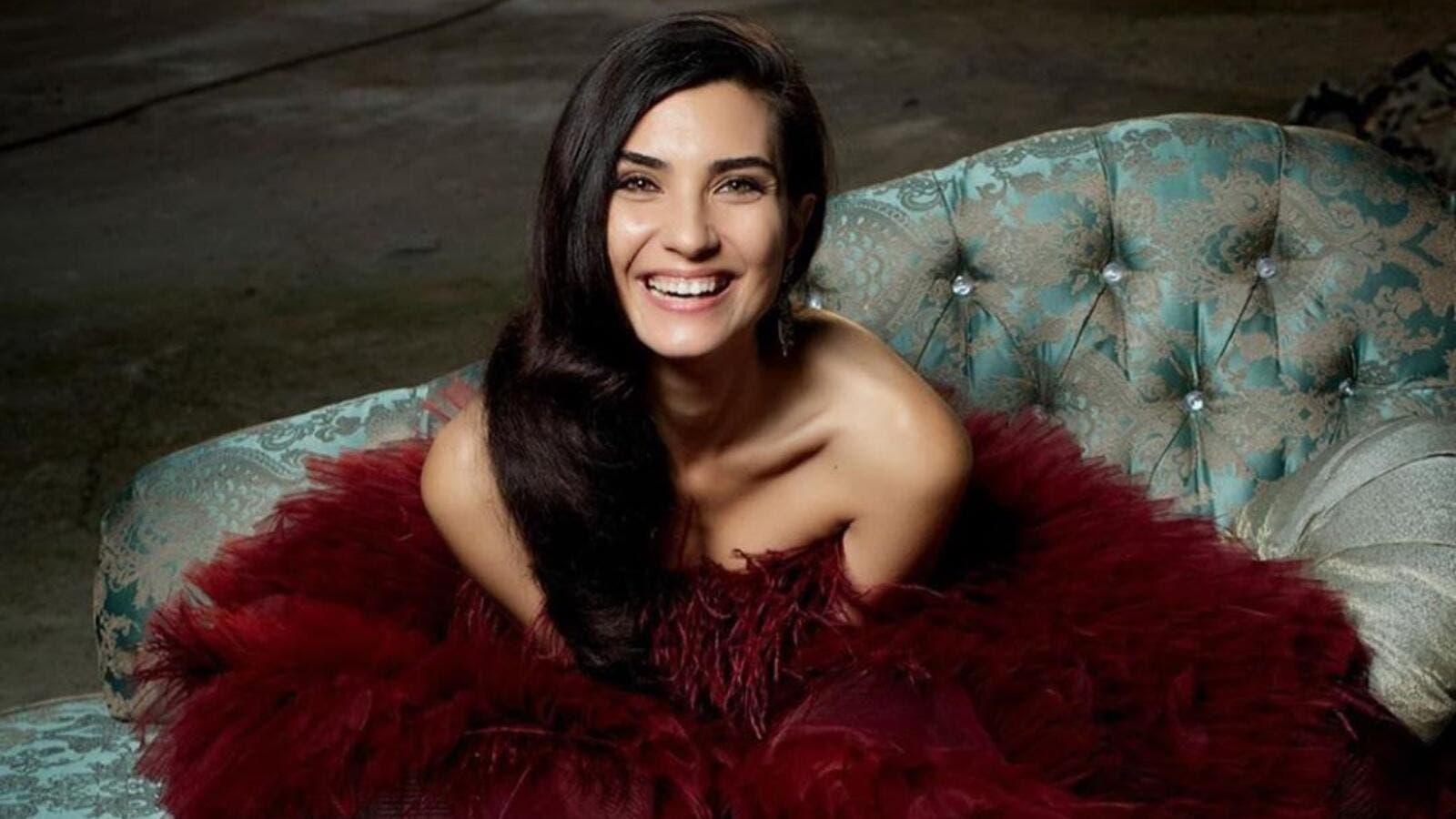 FOTO/ 9 vite më i ri, zbulohet i dashuri i aktores së njohur turke