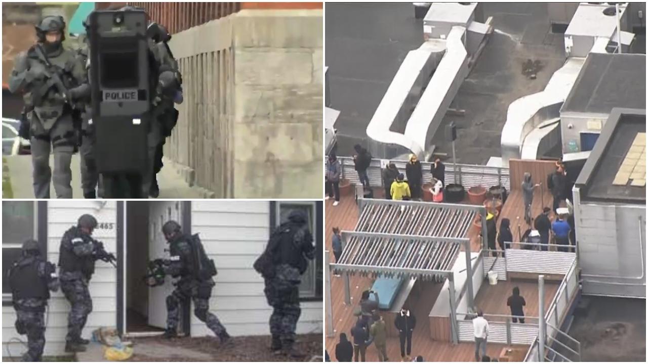 VIDEO/ Njerëz të armatosur marrin peng disa persona në Kanada, policia rrethon godinën