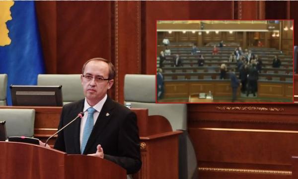 Përplasja në Kuvend, reagon Hoti: Sjellja e disa deputetëve e papranueshme