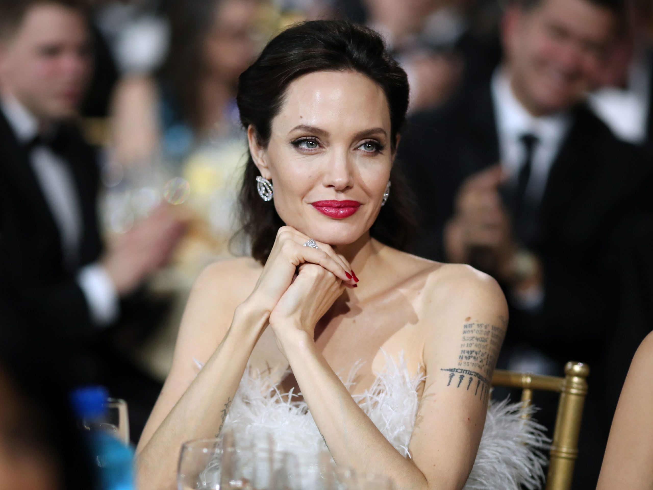 Zbulohet profesioni makabër që Angelina Jolie kishte zgjedhur para se të bëhej e famshme