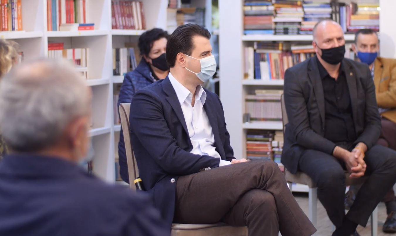 Basha me mësuesit: Të vetëdijësojmë e mbrojmë njëri-tjetrin, do ju bëjmë pagën minimale 700 euro