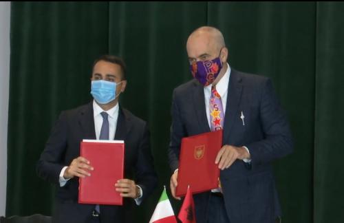 Ministri italian flet shqip: Drejt Evropës së përbashkuar! Rama: Perfekte
