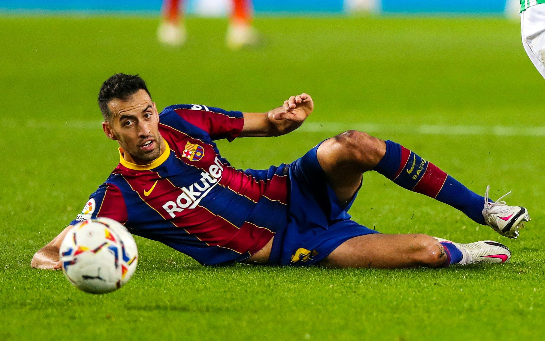 """""""Lojtarët do shpërthejnë, nuk mendojnë për shëndetin tonë"""", Busquets kundër FIFA-s"""