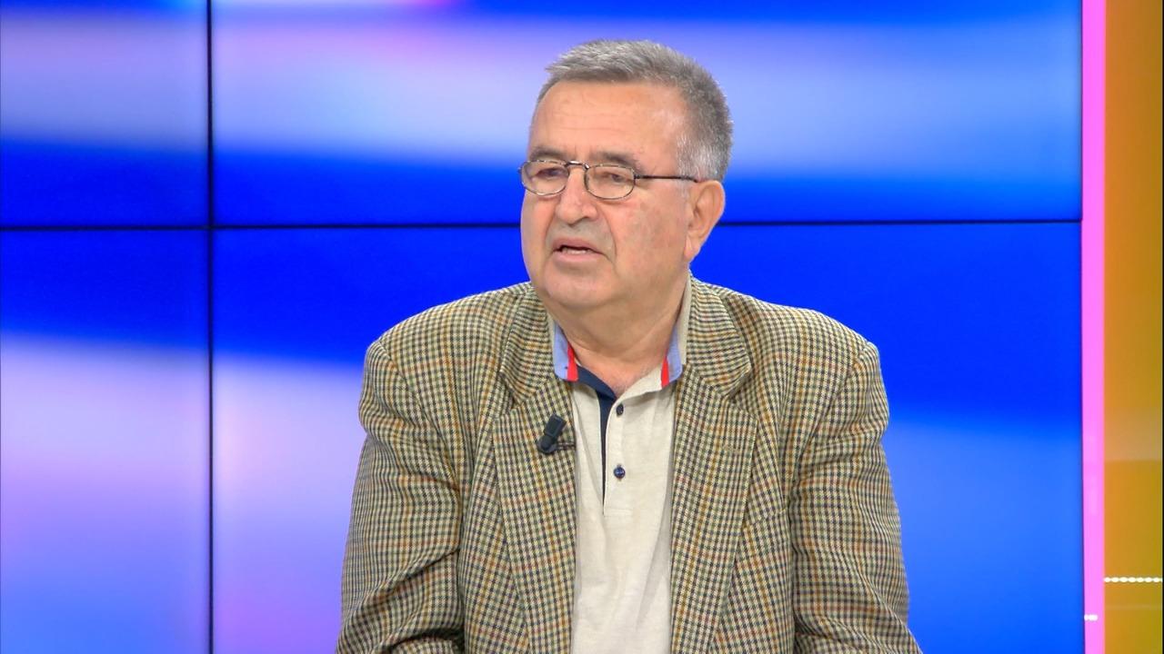 Kampe në veri? Klosi: FARK-u i dha lekë UÇK-së, por na hapën punë në Tiranë, dilnin me uniformë