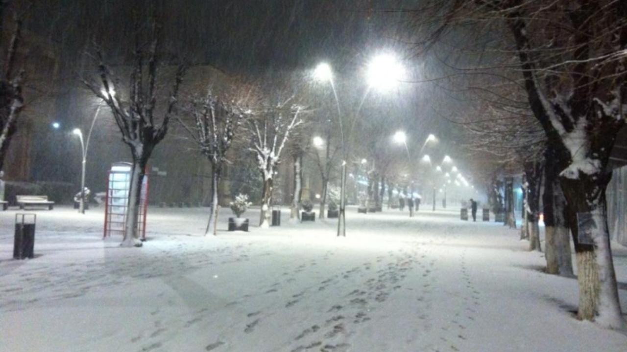 Nisin reshjet e para të borës në qarkun e Korçës, zbardhet Dardha