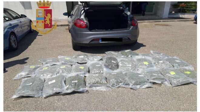 """Bisedat """"fundosën"""" shqiptarin, kapet 39 vjeçari i akuzuar për trafik droge në Itali"""