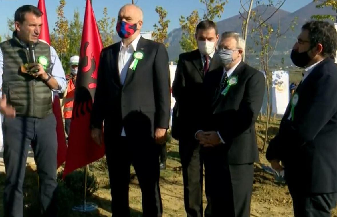 """Mbillen 1 mijë pemë me iniciativën e Erdogan në Farkë, Rama: Po ripërtërijmë """"mushkëritë"""" e vendit"""