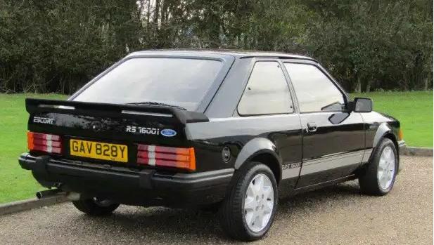 Ford Escorti i vitit 1983 shitet në ankand, çmimi i tij kalon pritshmëritë