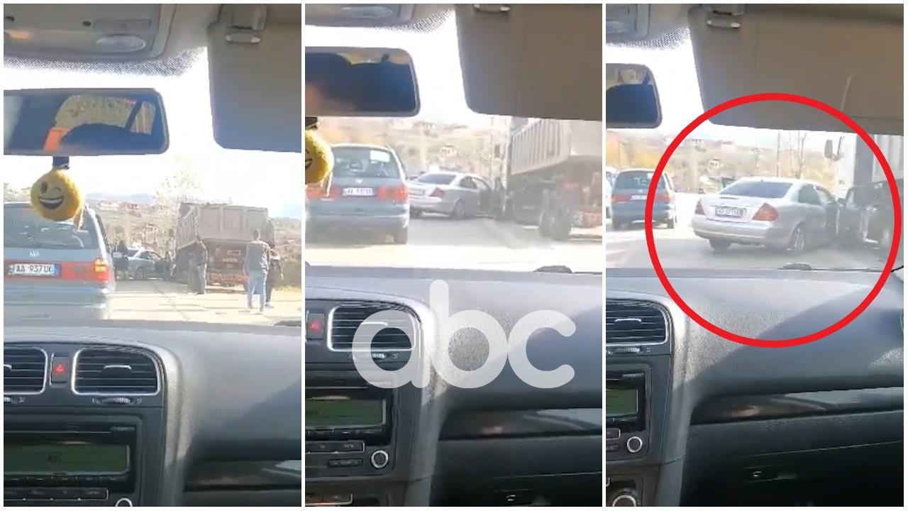VIDEO/ Përplaset me një kamion makina e dasmorëve në Prrenjas, një person i lënduar