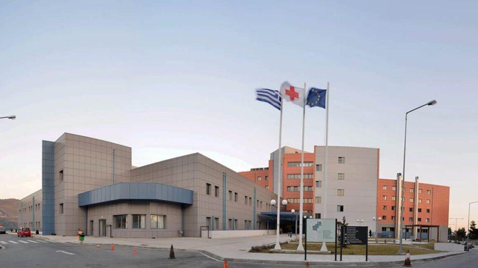 Gruaja me koronavirus vret veten duke u hedhur nga kati i tretë i spitalit në Greqi