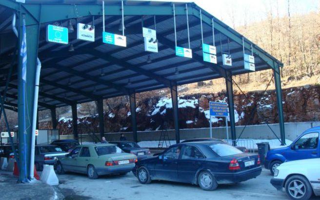Grekët reagojnë pas mbylljes së Kapshticës: Të vendosen teste të shpejta