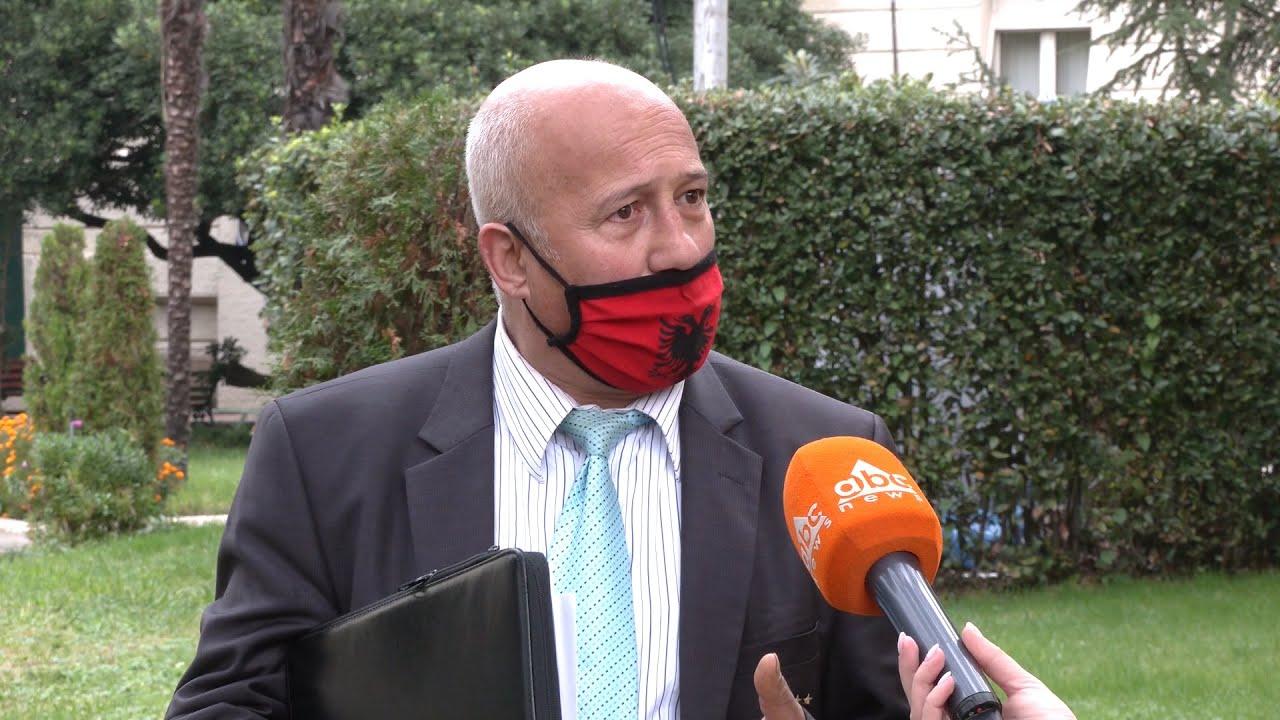 """Papa, """"rojtari i detit"""" që frikësoi Kuvendin: Jam ekspert, kam 4 variante të ligjit"""
