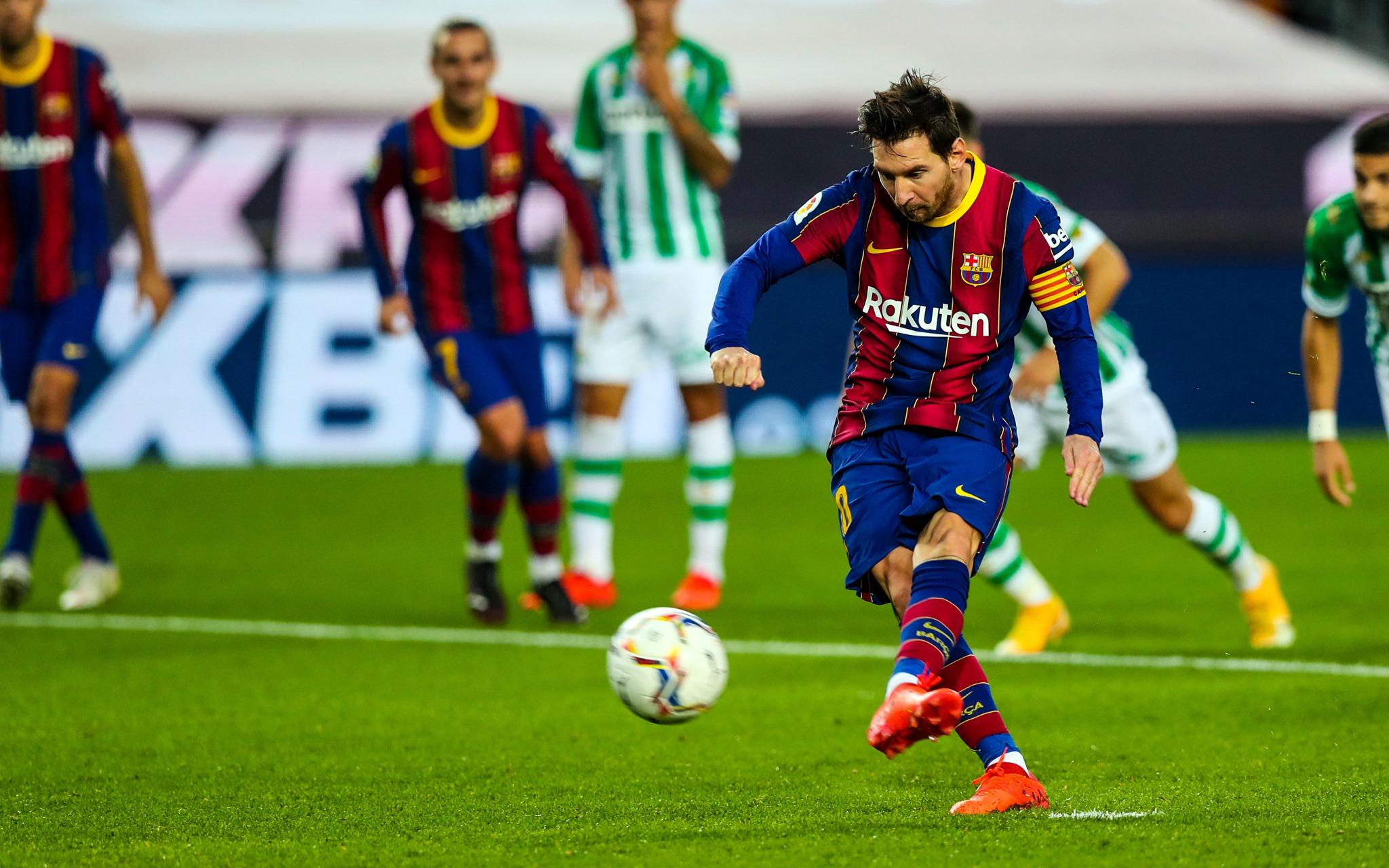 Kontroll pas fluturimit 15 orësh, Messi tërbohet në aeroport