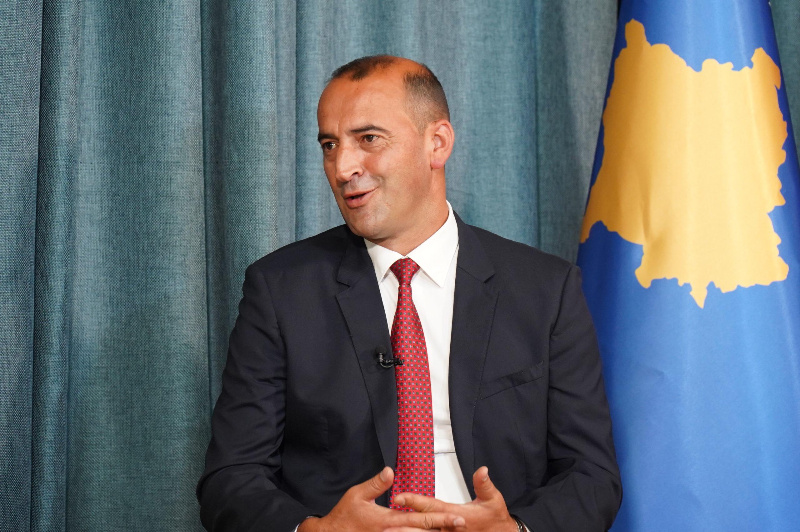 Haradinaj: S'hyhet në Kosovë duke kaluar mbi eshtrat e shqiptarëve të masakruar