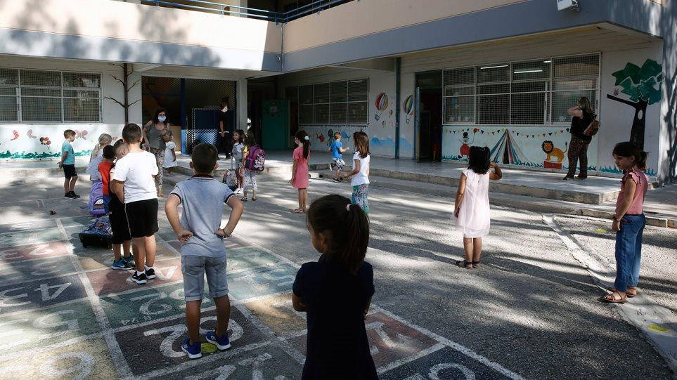 Merret vendimi, mbyllen edhe shkollat fillore në Greqi