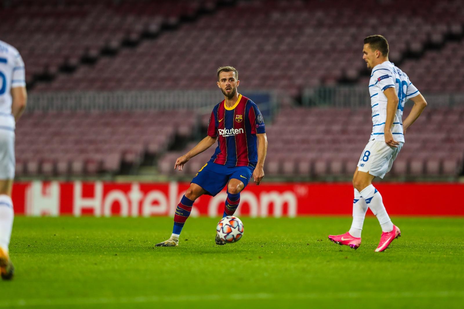 Barcelona largon Miralem Pjanic, klubi nga Stambolli negocion detajet e fundit