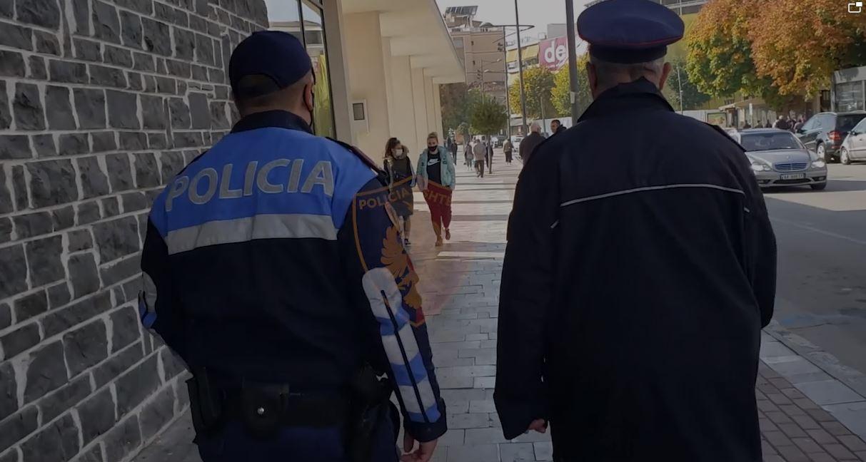 COVID-19/ Policia gjobit 609 qytetarë pa maska, shoqërohen 8 persona