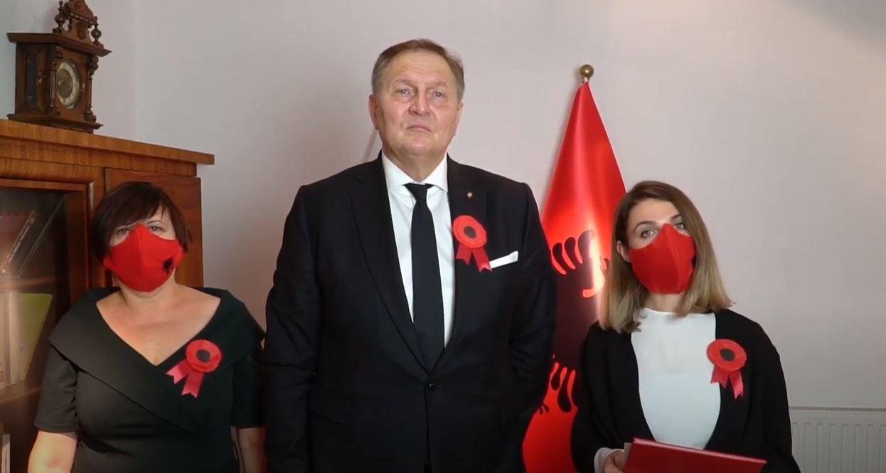 VIDEO/ Urimi i veçantë nga kori i fëmijëve në Poloni: Gëzuar Ditën e Pavarësisë