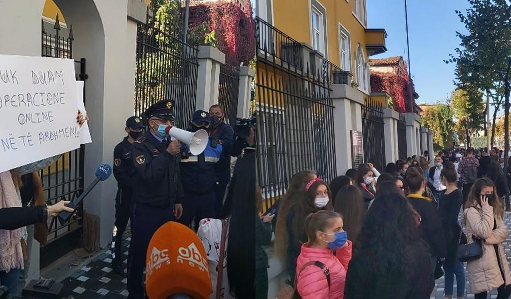 Protesta e Studentëve në ditën e tretë: Asnjë njoftim nuk ka ardhur për zhvillimin e mësimit