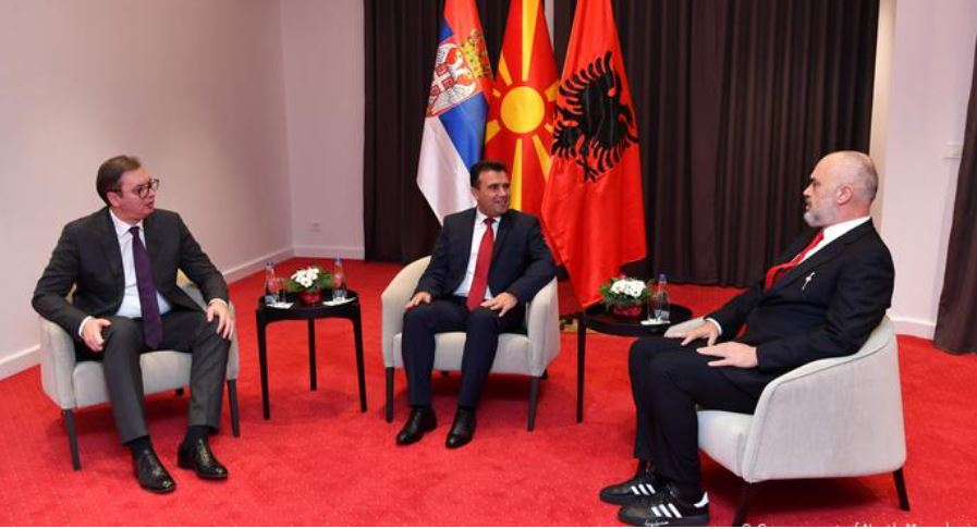 Albania and Serbia sign deal on freedom of movement