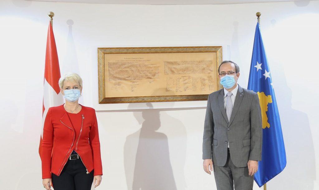Hoti takim me Presidenten e Parlamentit të Zvicrës: Pezullimi i dialogut nuk i shërben Kosovës
