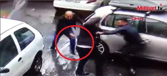 VIDEO/ Gjyshit dhe nipit i bëjnë atentat në mes të qytetit, kamerat fiksojnë gjithçka