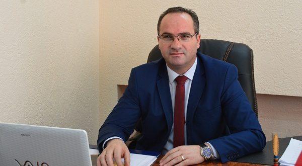 Kërcënohet ministri i Tregtisë dhe Industrisë në Kosovë, dyshimet e para