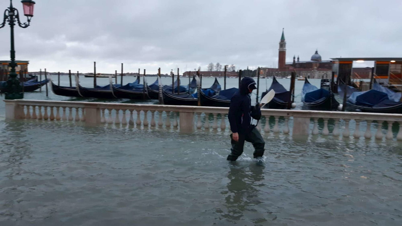 Përmbytet një pjesë e qytetit në Venecia, kryetari i Bashkisë: Po rishikohet sistemi i Dhomës së Kontrollit
