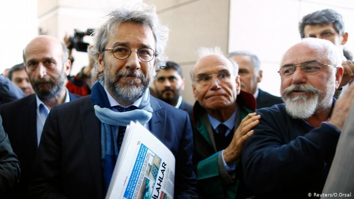 Gjykata turke dënon me 27 vite burg gazetarin e njohur