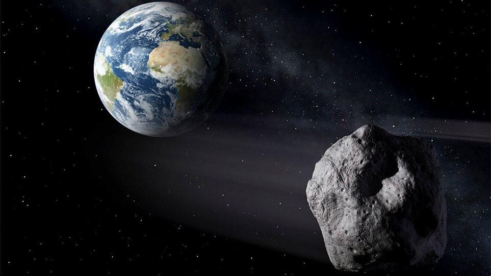 Me shpejtësi të frikshme, asteroidi kalon sonte shumë pranë tokës