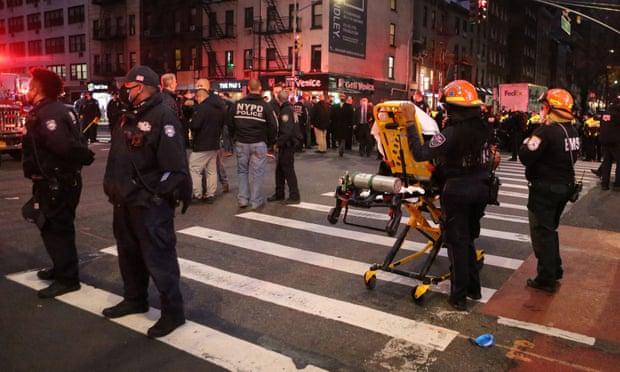 Makina hyn mes protestuesve në SHBA, plagosen disa persona
