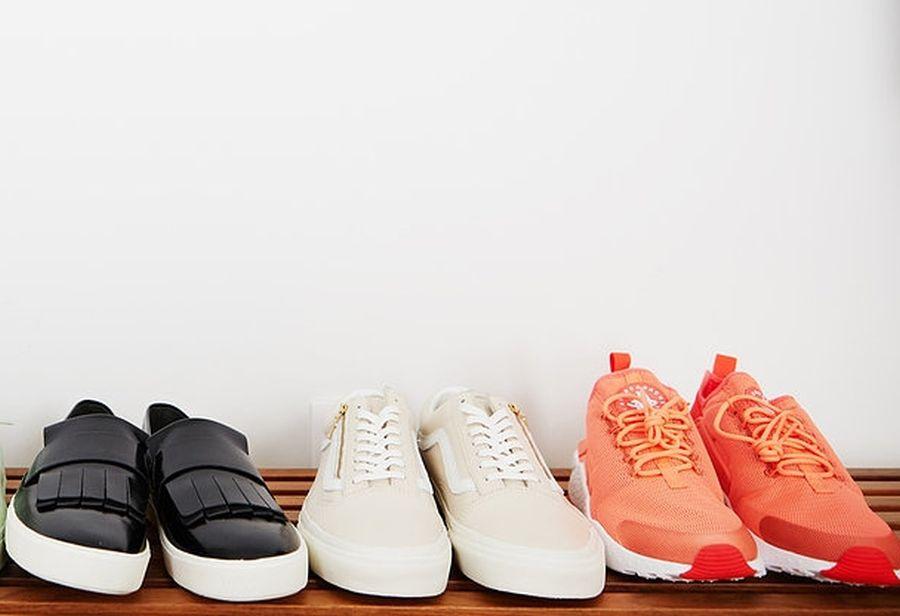 Pse nuk duhet të vishni këpucë në ambiente të mbyllura