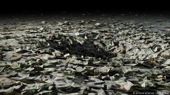 Opinion në DW: Mos e lini barrën e borxheve tek fëmijët e nipërit tanë