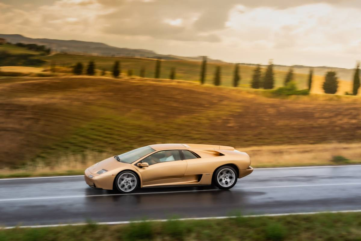 """E cilësuar si një makinat më ikonike, Lamborghini """"Diablo"""" feston 30-vjetorin"""
