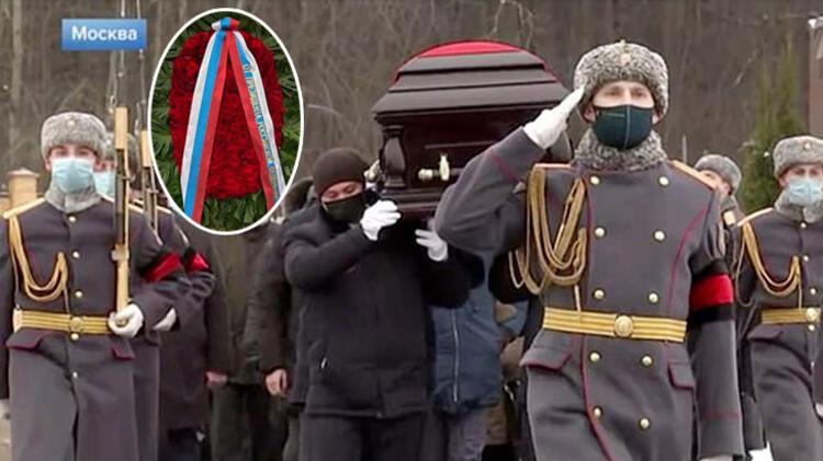 FOTO/ Televizionet ndërprenë transmetimin, çfarë ndodhi dje në Rusi